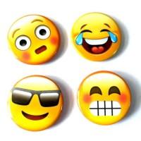 AI06 Insigna Smiley face - set 5 bucati